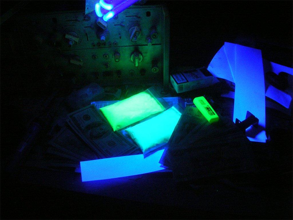 Люминофор тат 33 - зарядка ультрафиолетом, что бы быстрее!